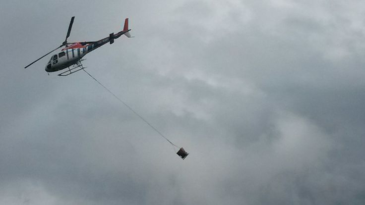 Am Berg wird fleißig gearbeitet  #silvrettamontafon #panoramabahn  http://blog.silvretta-montafon.at/2014/08/betontransport-via-helikopter/