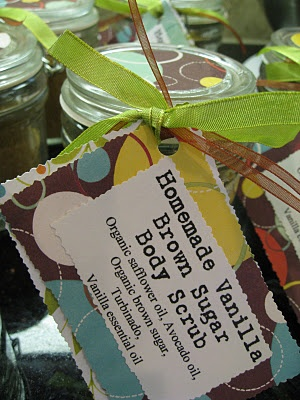 What a great and easy gift to make for a christmas gift!!! I love body scrubs!!!!
