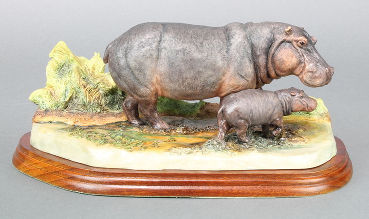 "Lot 98, A Border Fine Arts group - Hippo and Baby 2005 9"" est £40-60"