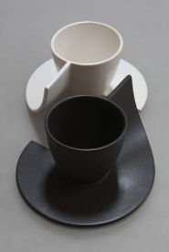 Black or white coffee cup - C.QUOI original design objects- K OUAH  38.00 decogalerie.com