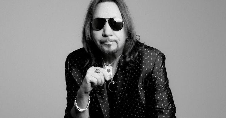http://ift.tt/2jBRtFo http://ift.tt/2jPCJQp  Como una estrella fugaz dirigida hacia la tierra desde otro sistema solar Ace Frehley opera en su propia galaxia musical. Es un inconformista musical y un icono adorado por millones de fanáticos en todo el mundo. A través de su trabajo con KISS (estuvo en Buenos Aires en el año 97 y 99) y como artista solista Ace Frehley es uno de los guitarristas más influyentes de las últimas cuatro décadas y su impacto en la música es inconmensurable. Ace se…