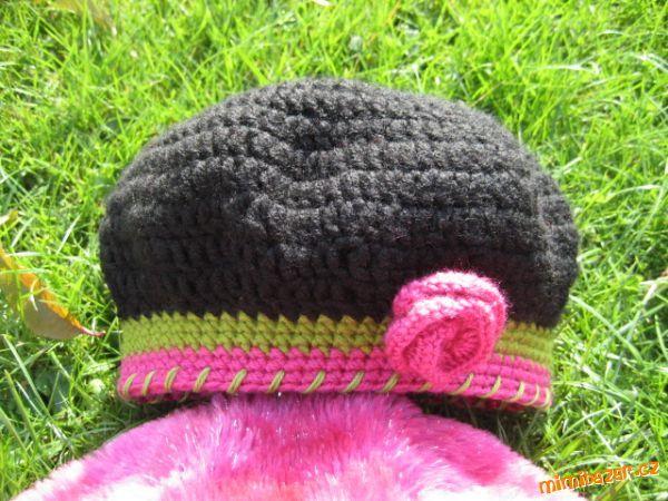 Háčkovaný baret, vel 2-3 roky