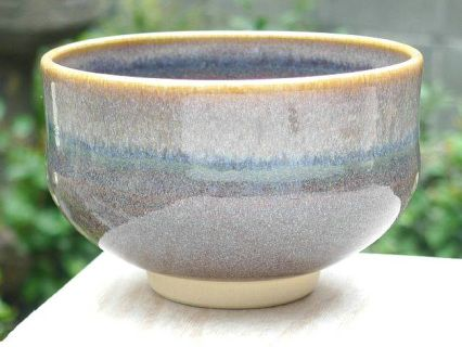 SIZE: L12cm x H7.5cm    WEIGHT: 300g    COLOR: Purple    BACKGROUND  Kyo and Kiyoimizu ware are general terms for pottery made in Kyoto, consisting of two types: ceramicware known as earth ware and porcelain known as stone ware. Many varieties of pottery are made here using superior designs and advanced techniques. The history of Kyo and Kiyomizu ware is long, with production believed to have started in the latter half of the 5th century, reaching its peak in around the mid-17th centu...