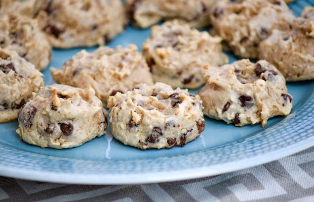 Chocolate Cashew Chunk Quest Bar Cookies