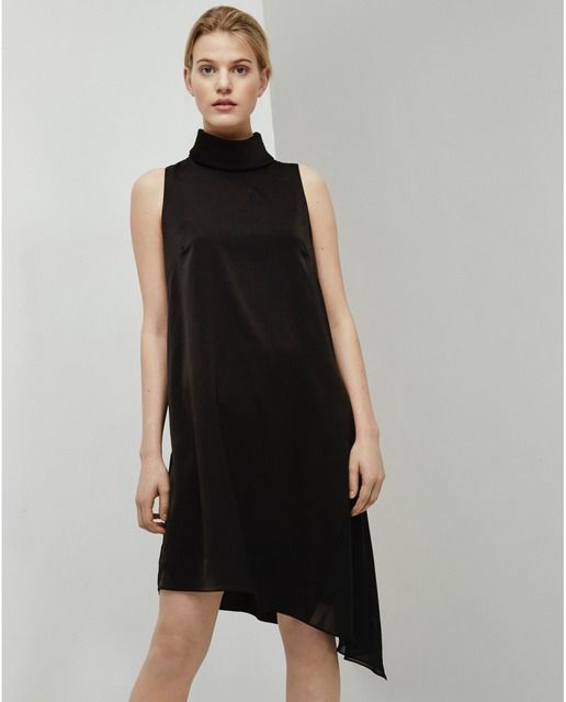 Vestido de mujer Adolfo Domínguez negro asimétrico