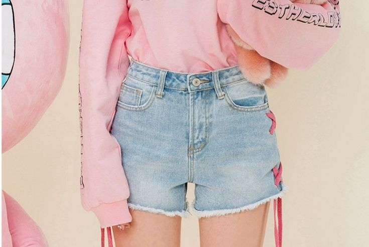 2017 Summer New Fashion Women Jean Shorts Tassel Ripped Lace Up Mid Waist Light Blue Bleached Washed Ladies Denim Shorts   Read more at The Bargain Paradise : https://www.nboempire.com/products/2017-summer-new-fashion-women-jean-shorts-tassel-ripped-lace-up-mid-waist-light-blue-bleached-washed-ladies-denim-shorts/  size: S: length:27,waist:66,hip:94 M:length:29,waist:71,hip:99 L: length:31,waist:76,hip:102 UNIT:cmManual measurement, there may be 1-3CM error