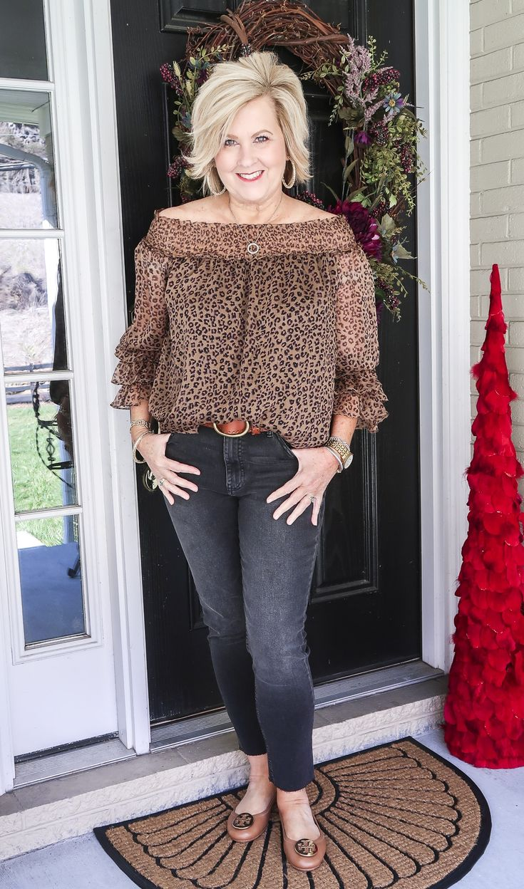 summer outfits women over 40 \ summer outfits . summer outfits women over 40 . summer outfits plus size . Summer Outfits Women Over 40, Clothes For Women Over 50, Fashion For Women Over 40, 50 Fashion, Casual Summer Outfits, Look Fashion, Spring Outfits, Fashion Outfits, Over 40 Outfits