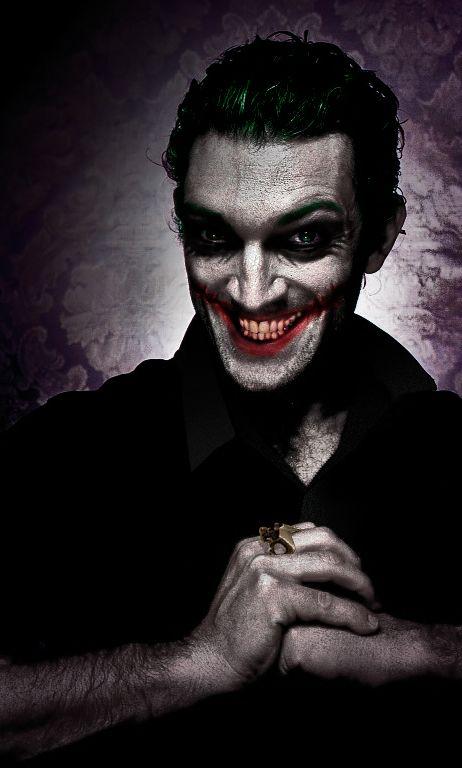Joker - Vincent Cassel. I did it in Photoshop, because was disapointed by Joker - Jared Leto. Джокер - если бы его сыграл Венсан Кассель. Сделала сама в фотошопе, разочаровавшись в Джокере, которого сода Джаред Лето.