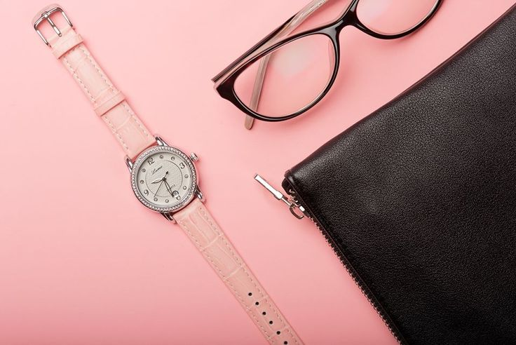 Zobstarajte si hodinky Lumir a na plynutie času sa budete pozerať s radosťou. #lumir #watch #watches #women #fashion #design #essentials #hodinky #pink #glasses