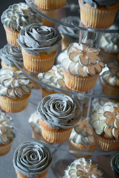 Elegant wedding cupcake idea - gray frosted cupcakes with sugar flower detail {Little Blue Lemon Photography & Cinematography}
