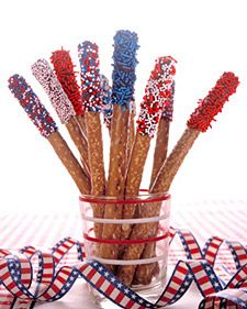 I LOVE chocolate covered pretzels.  The red, white & blue sprinkles are perfect for 4th of July.