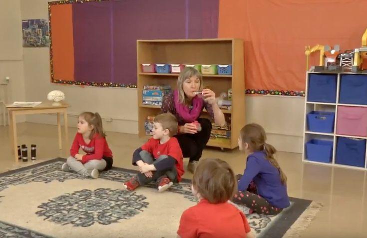 J'ai adoré cette démonstration de la méthode de Manon Jean pour aider les enfants à gérer leurs émotions. Vive la pleine conscience ! :)