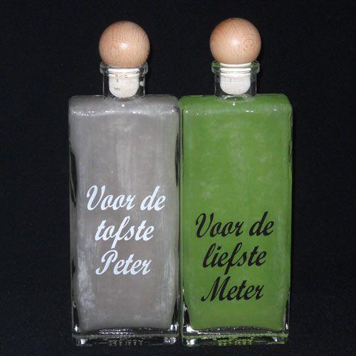 Stijvolle fles met opdruk PETER en METER! Gevuld of leeg te koop! SNELLE levering en VEILIG betalen! DaKaDo heeft nog vele peter en meter geschenken die