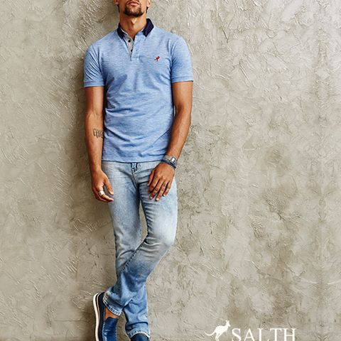Sexta-feira chegou e com ela mais um look indispensável. Desta vez apostando na combinação de cores leves, unindo polo com jeans e tornando o look super versátil e cheio de personalidade. SALTH é isso, sempre surpreendente!    www.salth.com.br  #salth #primaveraverao16 #men #moda #fashion #summer