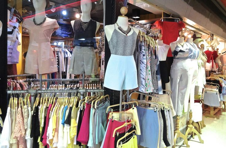 Forget all those Platinum mall, Pratunam market, Siam square, UNION MALL is Bangkok's best-kept secret for crazy-cheap shopping.