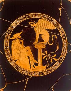Kylix attica: interno; 480-470 a.C., Stile Severo; ceramica dipinta a figure rosse; Vulci, Toscana, Italia; Musei Vaticani, Roma, Italia. L'interno della kylix riproduce i famoso episodio dell'incontro di Edipo, futuro re di Tebe, e la Sfinge.