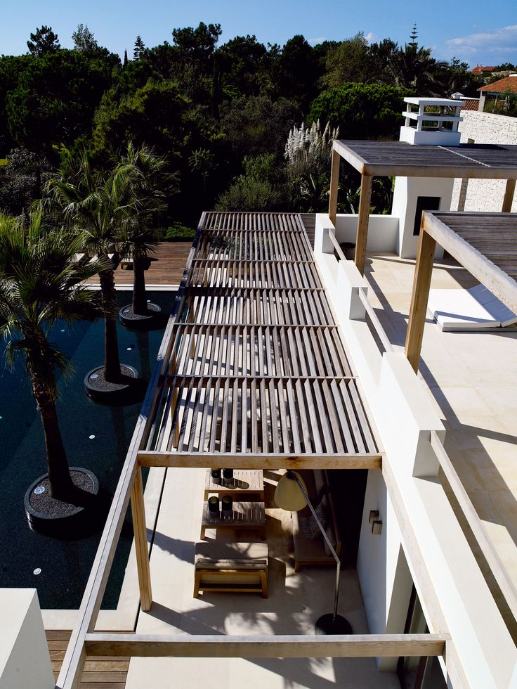 Sunshade using wooden slats - Buitengewoon Binnen Piet Boon Styling by Karin Meyn | Roof top view