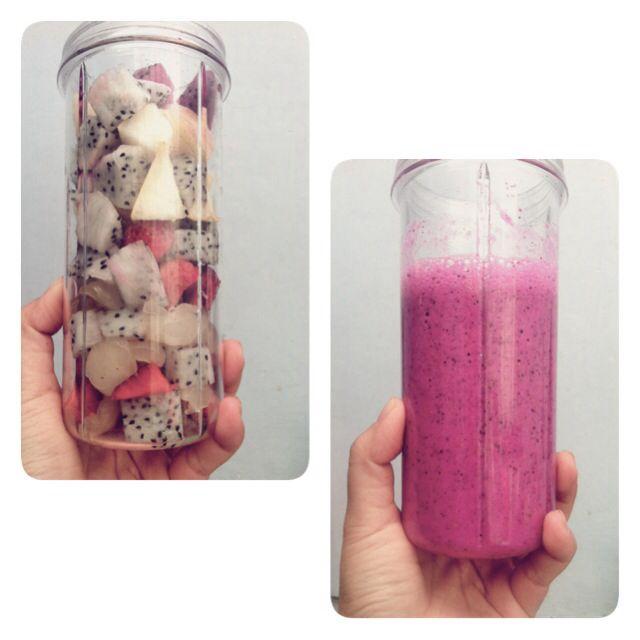 Buah naga merah + buah naga putih + strawberry + kelengkeng + apel + pear + protein powder = antioksidan