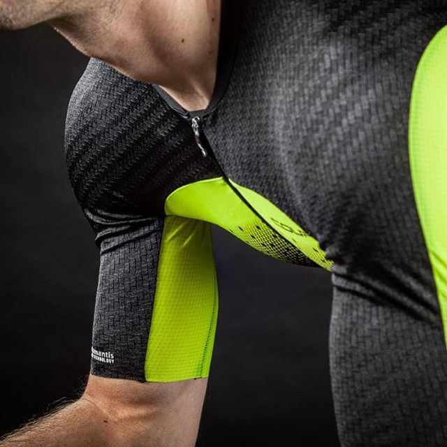 This is the LGNeer Skinsuit from the Course line of Garneau performance apparel. We added the most aerodynamic fabrics and specific compression zones of varying thickness to improve blood flow in specific areas. We developed and tested this suit with Olympians, aerodynamics expert Alphamantis, and in the windtunnel. Now all you have to do is slip it on and make it go fast, like it was made to do ;). #LGNeer #triathlonsuit #aerodynamics #skinsuit #cyclingtechnology #appareltechnology…
