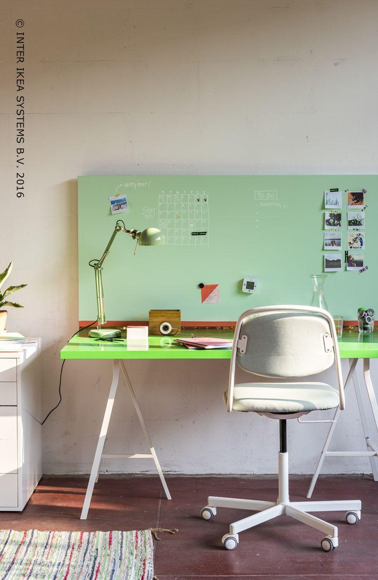 We studeren beter in een kleurrijke omgeving. Is je kot groot genoeg maar mag je de muren niet schilderen? Ontdek onze ideeën en ga voor de perfecte combo tussen werk en ontspanning! #IKEABE #IKEAidee #IKEAXStudioWootWoot  We study better with a bit of color. Your room is spacious enough, but you're not allowed to paint the walls? Check out our ideas to combine work with leisure! #IKEABE #IKEAidea #IKEAXStudioWootWoot