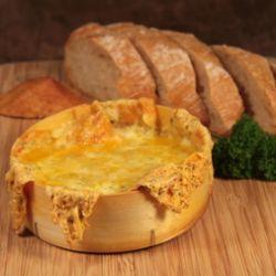 Winterduo: Ofenkäse mit frischem Brot | ichliebebacken.de