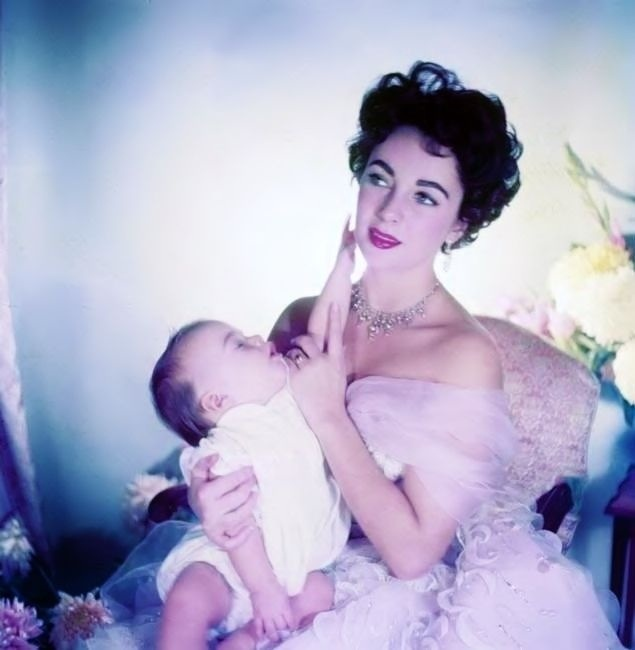 Elizabeth Taylor with her infant son Michael Wilding Jr., photo by Cecil Beaton, 1953