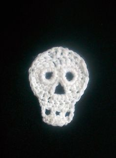Halloween Skull, free crochet pattern | Simply Crochet