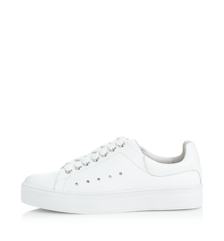 ALISA MAE - Quincy Sneaker in White. Shipping Australia wide.100% Leather Upper100% Leather LiningMan-made Outer soleQuincy runs slightly on the small side - if you are between sizes, the larger...