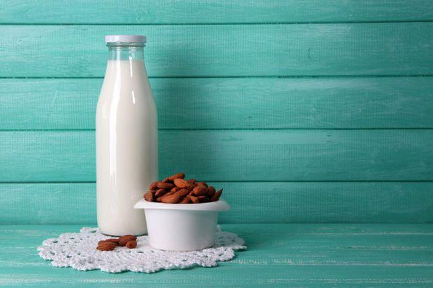 Badem sütü nasıl yapılır?