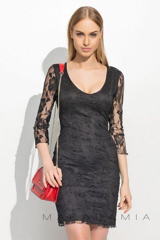 Koronkowa sukienka z odważnym dekoltem