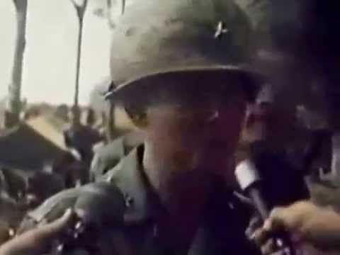 Tư Lệnh Sư Đoàn 18BB Thiếu Tướng Lê Minh Đảo Tại Mặt Trận Xuân Lộc