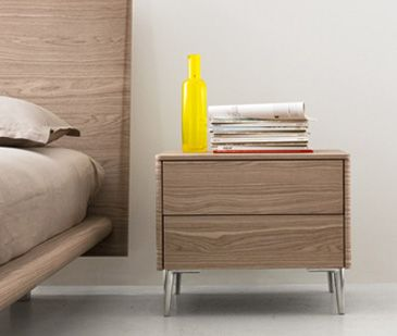 Bedsaide table BOSTON by Calligaris. Elegance with pinch of moderne design