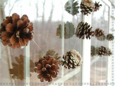 10 Cool Pinecone Garlands You Can Make By Yourself | Shelterness