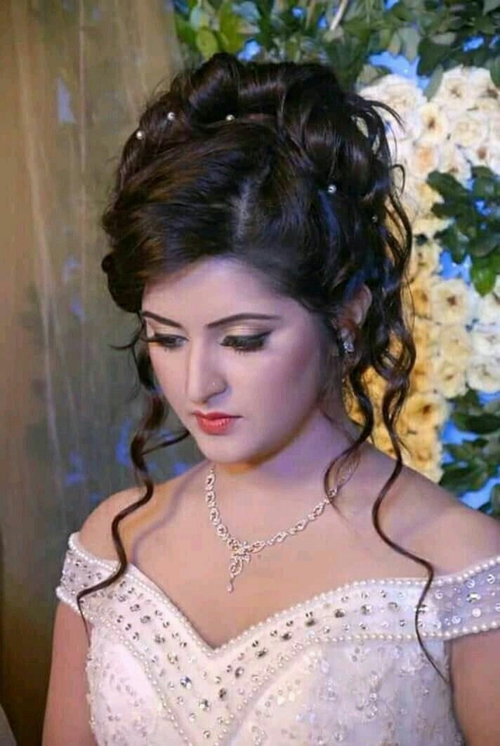 Lovely Girl Picture Indian Bridal Hairstyles Indian Wedding Hairstyles Indian Hairstyles