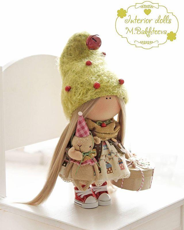 Новогодняя малышка 26 см🌲🎅 ощущение приближающегося праздника , так тепло и уютно от нее💚💫😘 Продана✔  Возможен примерный повтор. -------------------- #интерьернаякукла #ручнаяработа #шитье #gutermann #handmade #рукоделие #bernina_380#мкпитер