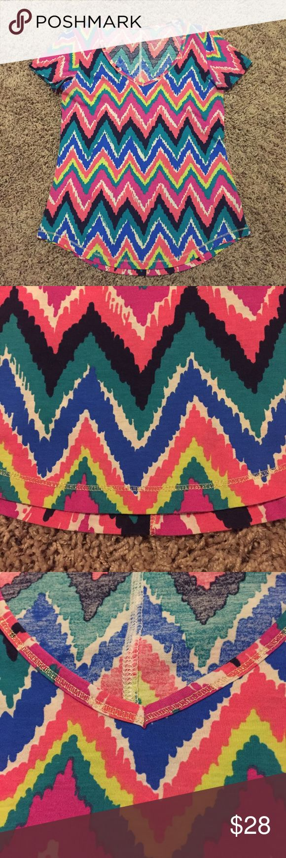 Lilly Pulitzer Cynthia Tee Colorful Chevron Top Excellent Used Condition! Lilly Pulitzer Tops Tees - Short Sleeve