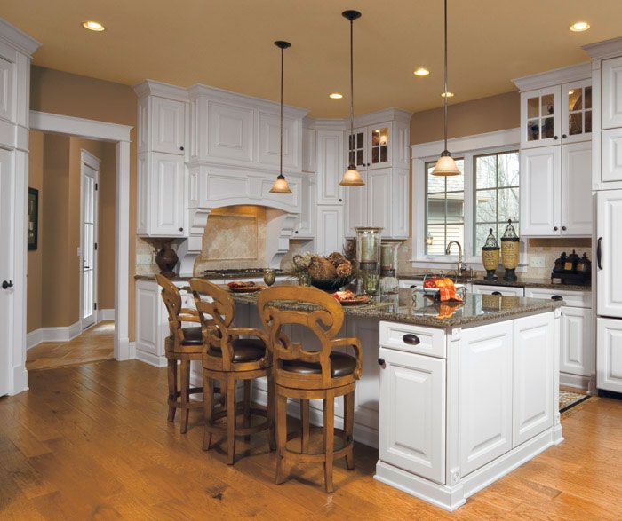Room design gallery find your style aristokraft for Nantucket style kitchen