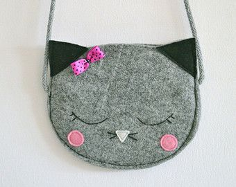 Felt mini bag for childrens little treasures.  Handmade of grey, impregnated felt.  You can choose the color of nose and blushes - I love custom orders so feel free to contact me :)  Shoulder strap lenght is adjustable - just tie the knot :)   About 17cm width (6.6in)  READY TO SHIP in a day or two! :)