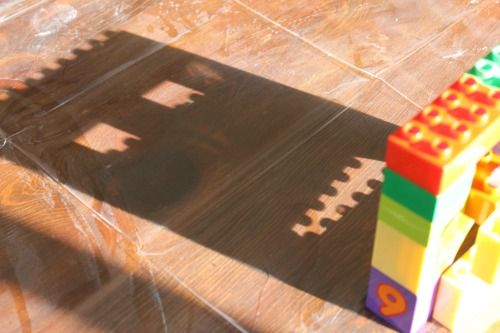 Building and tracing shadows with blocks - what great learning activities for toddlers and preschoolers!  Love the different ideas for this on the blog!