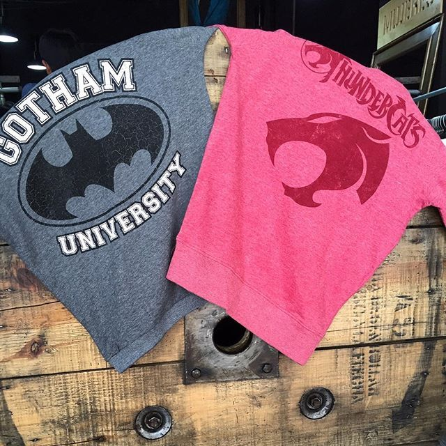 "@mascaradelatex's photo: ""¡Nuevos pullovers y reimpresiones disponibles en www.mascaradelatex.com!  #GothamUniversity #ThunderCats #Batman #Gotham #TDK"""