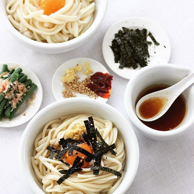 Udon  今日のお昼も勇製麺の麺でそうめん屋の手延べうどんというこれまたツルツルモチモチで美味しいうどん卵黄とだし醤油で@isamuseimen_miwasomen  付け合わせには熊本とっぺん野菜の美味しいインゲンと有明海産の美味しい海苔など @toppen_yasai  #三輪そうめん #半生うどん #勇製麺 #熊本とっぺん野菜 #ツルツル #モチモチ #そうめん屋の手延べうどん #うどん #udon by higuccini