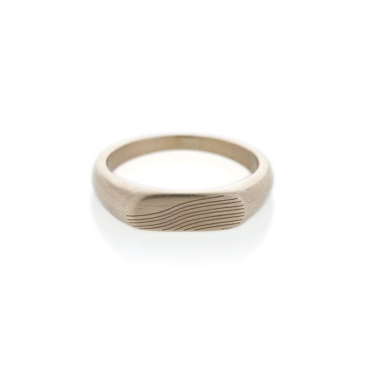 Slope white gold landscape signet ring | Dear Rae | Online shop