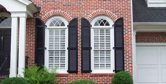 Round shutters on round Windows