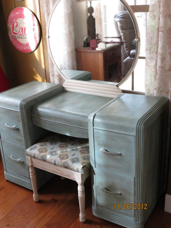 Vintage Waterfall Art Deco Vanity by InspiredbyPeaches on Etsy, $85.00: Repurpo Ideas, Decor Ideas, Art Deco Vanities, Bedrooms Sets, Houses Ideas, Paintings Vanities, Grandma Bedrooms, Diy Bedrooms, Bedrooms Stuff