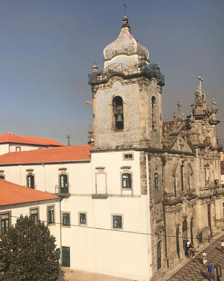 View from the flat isn't too bad either . . . . . . . . . . . #porto #instaporto #instaportugal #portugal #portugal #visitportugal #architecture #architecturelovers