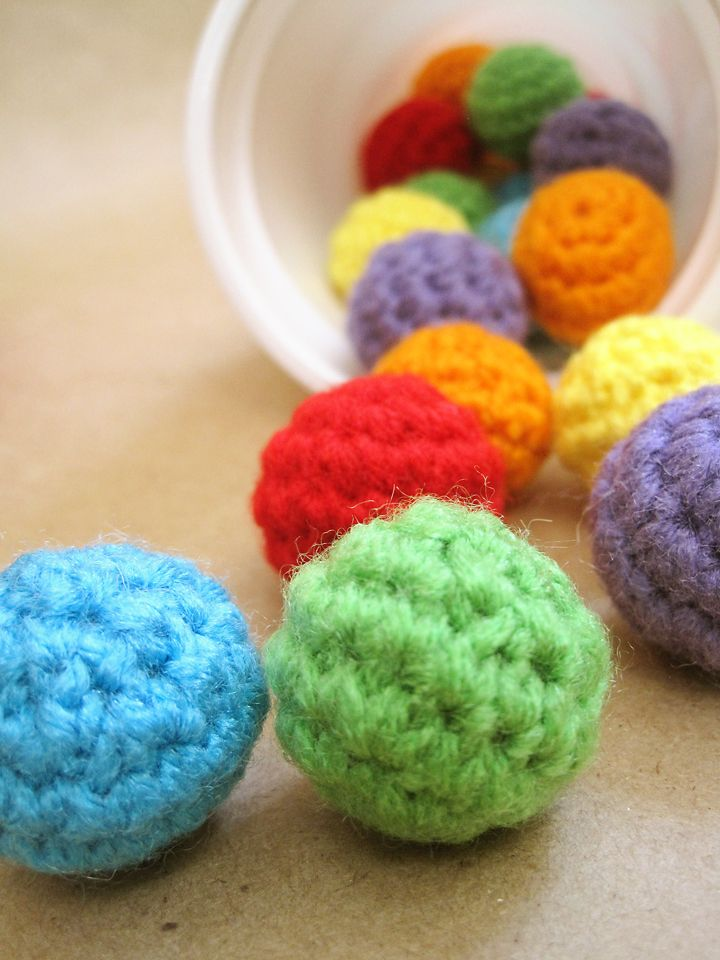 It has been a busy week, I have been crocheting a lot!! I worked on Riley's rainbow nesting bowls, unfortunately I still didn't finish them,...