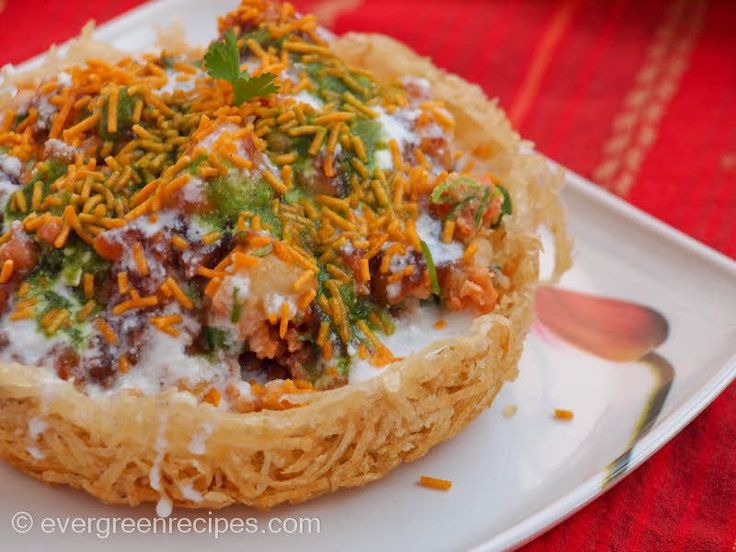 Basket Chaat is one of the famous Chaats in Lucknow. I  the chaat at royal cafe…