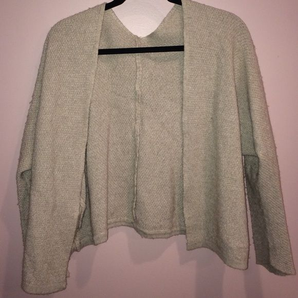 Brandy Melville cardigan Great condition Brandy Melville Sweaters Cardigans