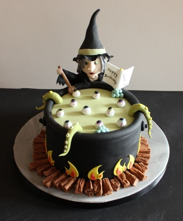 halloween witch birthday cake tjis is soooo cool id love to make - Easy Halloween Cake Decorating Ideas