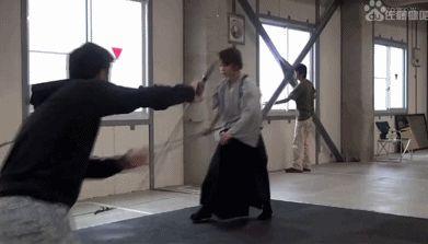 바람의 검심 주연배우 검술훈련 모습 :: 웃긴대학 웃긴자료 글읽기